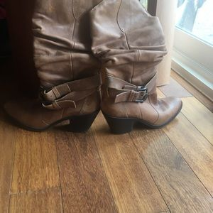 Cowboy boots -leather upper